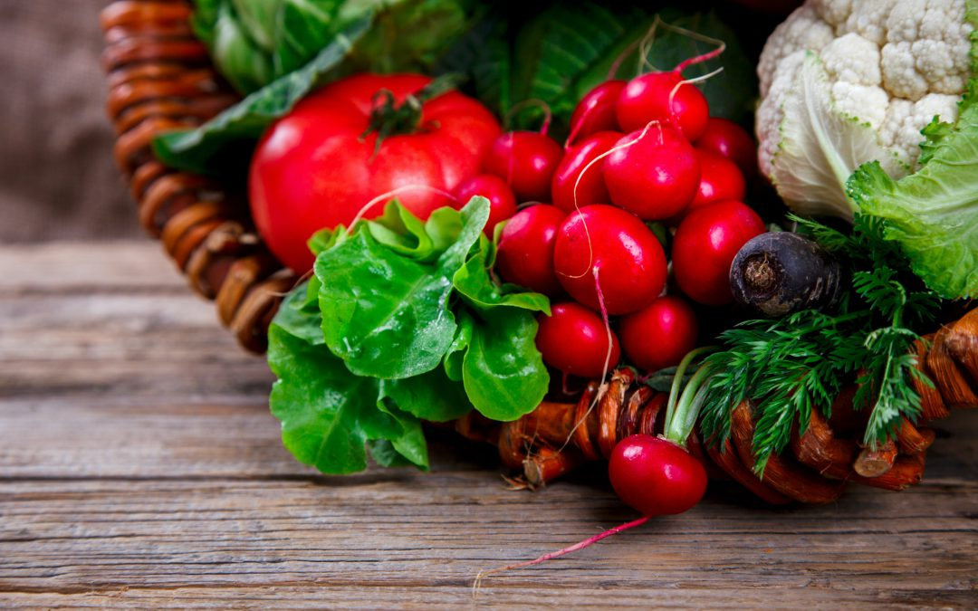Gemüse und Kräuter aus dem Garten
